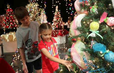 Riverside Theatre hosts the 21st Annual Festival of Trees